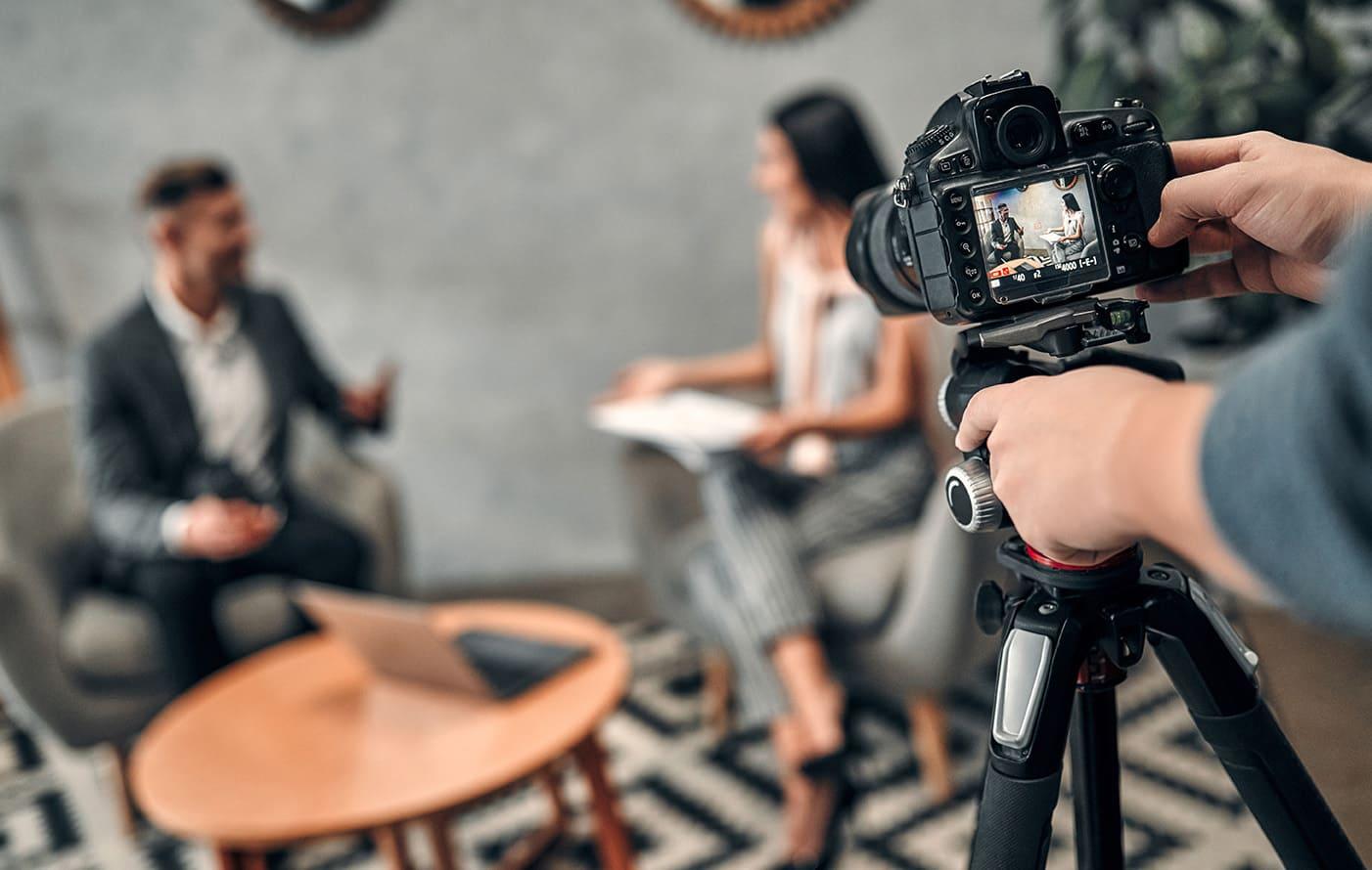 インタビュー動画の制作や編集のコツを徹底解説